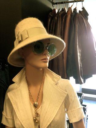Audrey Hepburn would love this look!