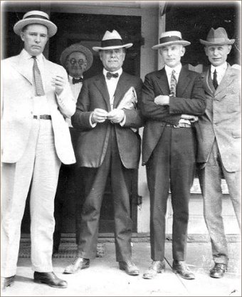 1920s-mens-hats-suits.jpg