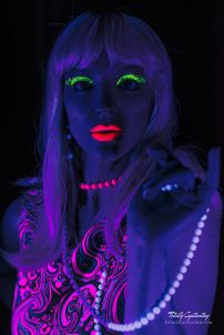 blacklight-brittany-07