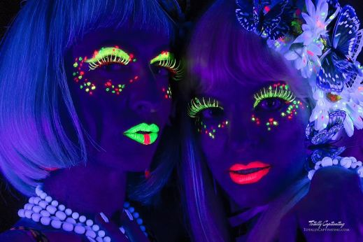 blacklight-brittany-and-patricia-05