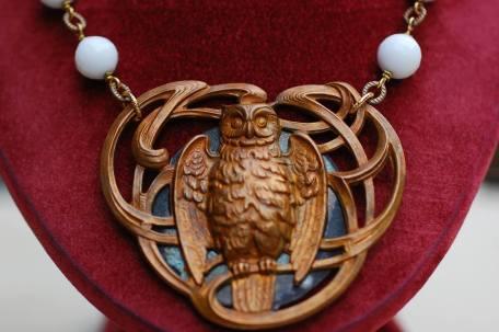 Humblebug owl